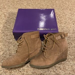 Gently used Madden Girl wedges 8 1/2